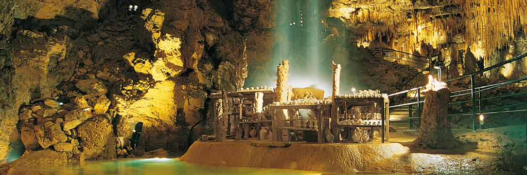 Proumeyssac, la Cathédrale de cristal